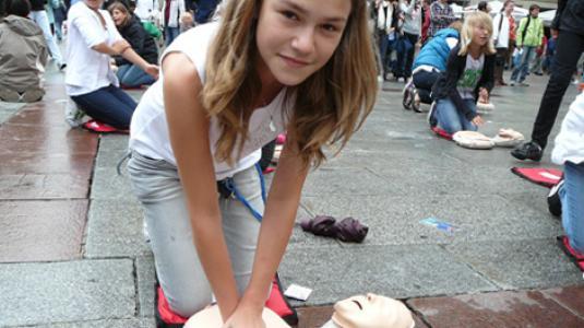 Erste Hilfe; Herzdruckmassage; Minisanitäter