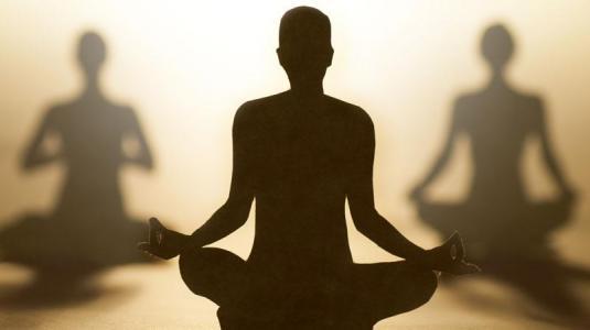 yoga unterstützt die therapie von brustkrebs