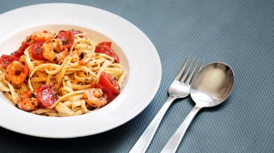 teller voller pasta