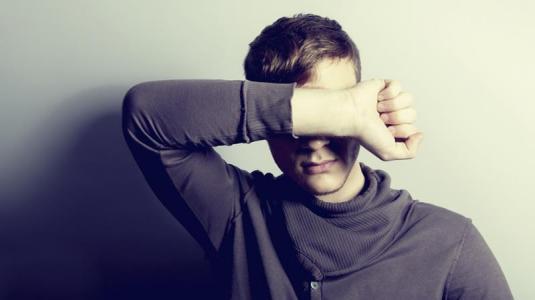 migräne kann vorbote für hirn-aneurysmen sein.