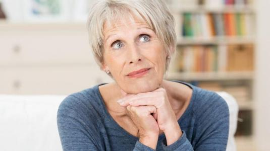 ältere frau, brustkrebs