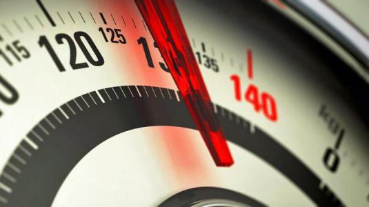 männer: fettleibigkeit in jungen jahren macht schwer krank