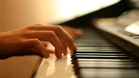 klavier, musik, musiktherapie