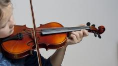 Kind, Geige