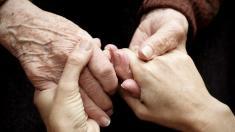 Palliativmedizin, Sterbehilfe, Hände