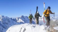 Skiwanderer in den Bergen