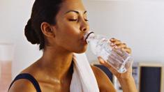 Sport, Fitness, Drink, Getränk, Trinken, Flasche, Wasser, Sportler