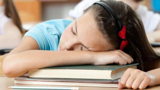 besonders kinder regenerieren im tiefschlaf aus implizitem wissen explizites wissen.