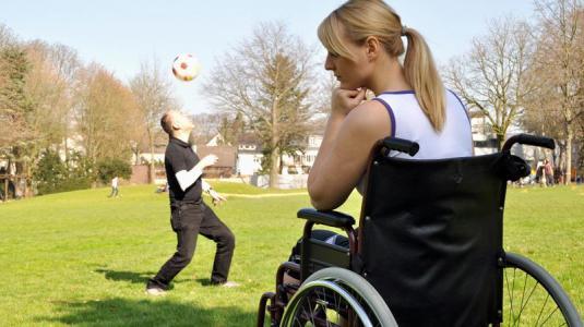 multiple sklerose, rollstuhl