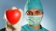 Herztransplantation mit Chirurg