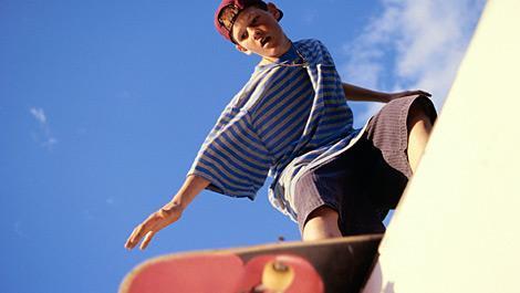platzwunde, junge, skateboard