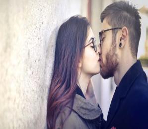 Pfeiffersches Drüsenfieber – die Kusskrankheit