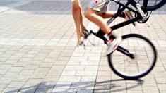 Sportverletzung, Sport, Verletzung, Unfall, Fahrrad, Sturz, Stürzen, Mann, Sportler, Erste Hilfe, Notfall