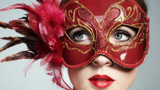 im karneval werden nicht nur küsse, sondern auch grippeviren ausgetauscht