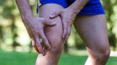 Bei schmerzenden Knie-Gelenken in Bewegung bleiben