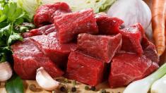 L-Carnitin in rotem Fleisch erhöht das Risiko für Herz-Kreislauf-Erkrankungen.